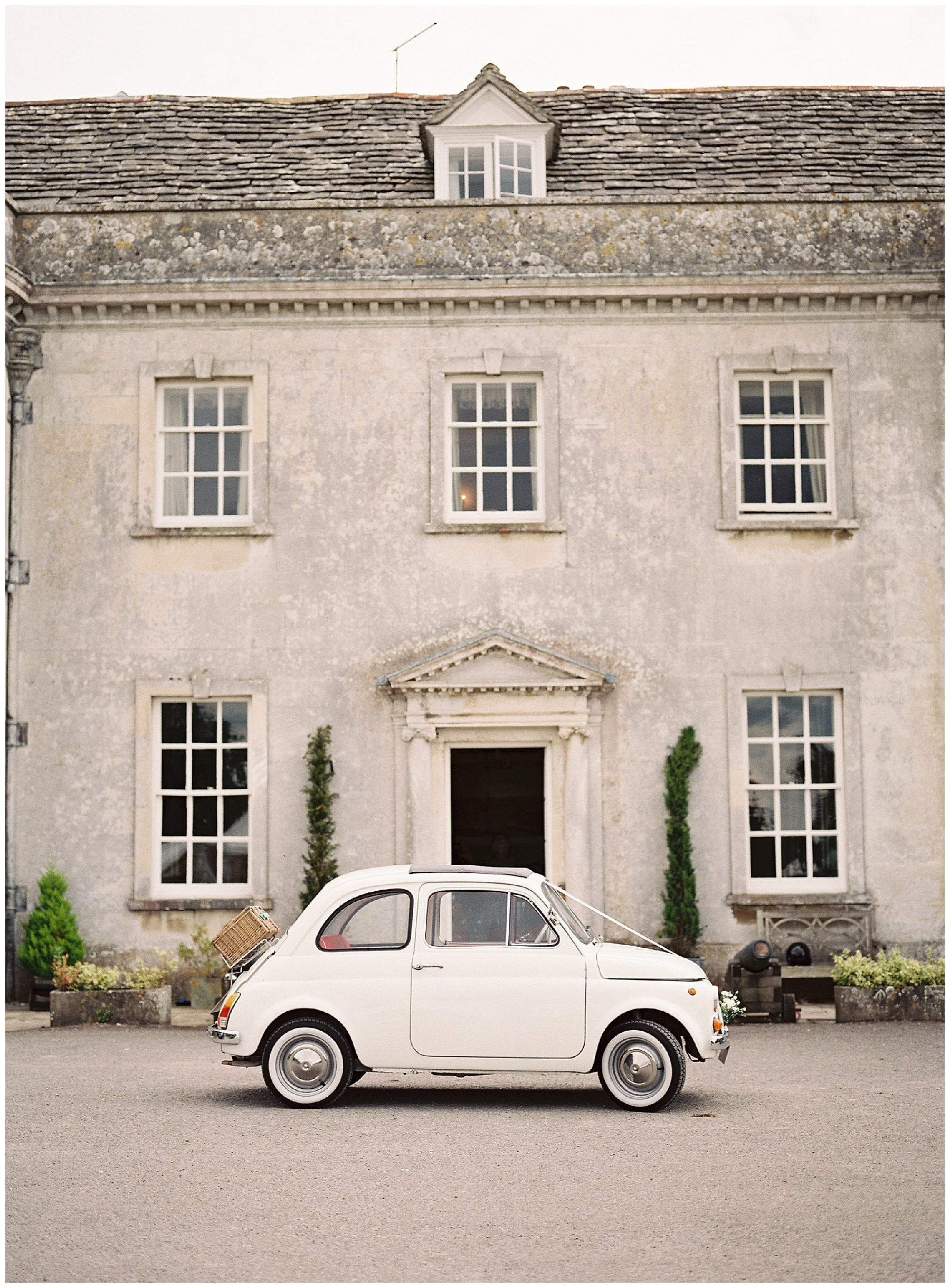 vintage fiat 500 at Smedmore house wedding